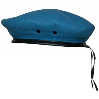Světle-modrý baret